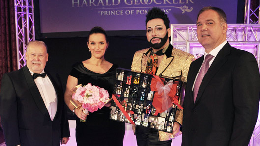 Prince of pomp s gl ckler mit flair de parfum for Barbara karlich tochter