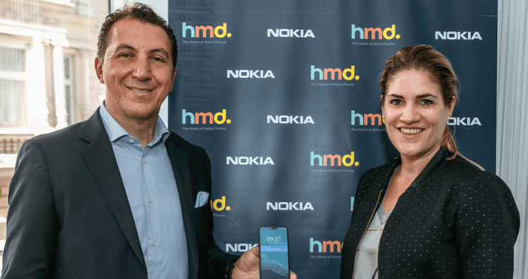 HMD-Vice-President of Eastern Europe Alberto Matrone and Judith Haberlehner, Head of Public Relations at Nokia © leadersnet.at / A. Felten