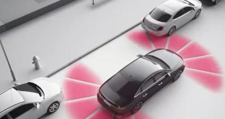 Düsseldorfer Trio fackelte geklauten Audi nach Unfall ab