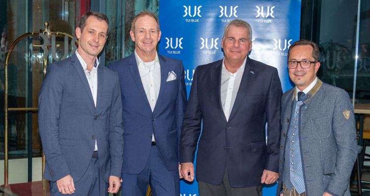 TUI Blue-Managing Director Jano Martin, TUI Blue Fieberbrunn-General Manager Thomas Ries, TUI Blue-Managing Director Artur Gerber und TUI Blue Austria-Regional Manager Bernhard Haselsteiner © TUI