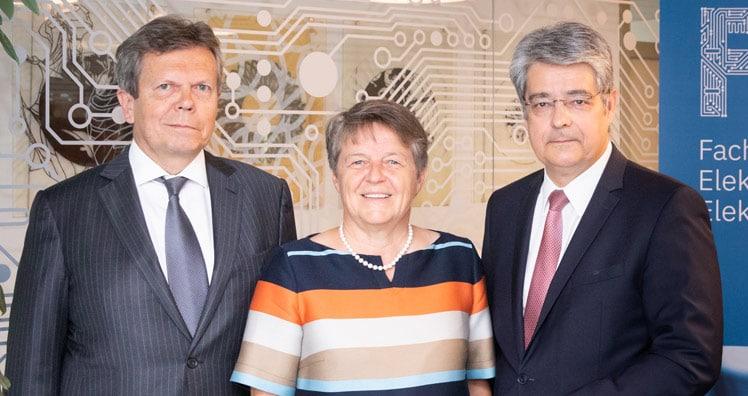 wolfgang hesoun ist präsident des fachverbandes der elektro  feei ederer ist neue obfrau des fachverbandes elektro und elektronikindustrie #3